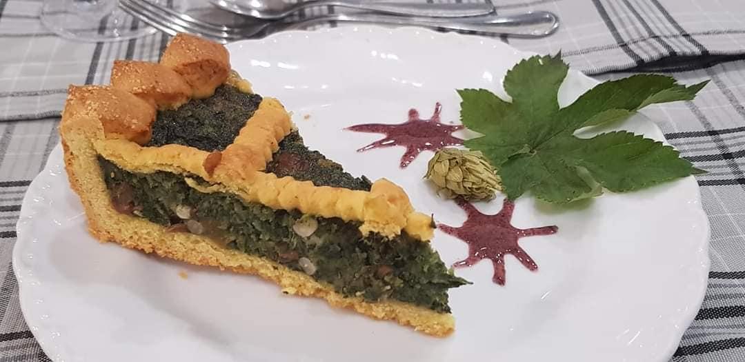 """La torta dolce di erbe massarosese della Gastronomia Alimentari """"Tiziano""""."""